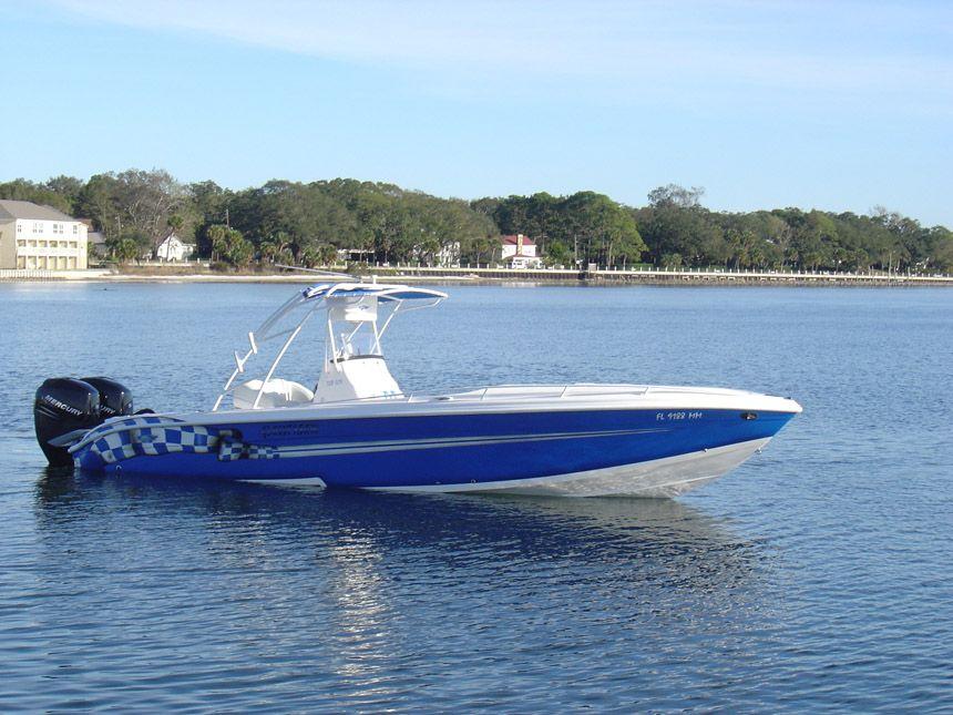 Glasstream Powerboats Blue Checkered 328 SCX Center