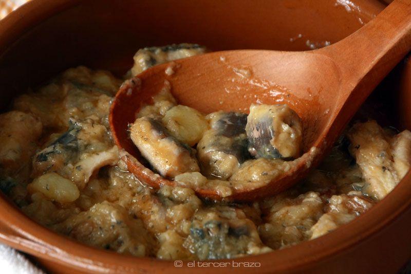 Receta original del all i pebre valenciano, directamente desde su cuna -Catarroja- a orillas de la Albufera, donde se cocina la anguila al modo tradicional.
