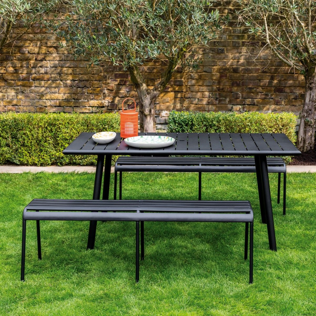Darwin Black Metal 6 Seat Garden Dining Set Buy Now At Habitat Uk Metal Garden Table Metal Outdoor Table Garden Dining Set