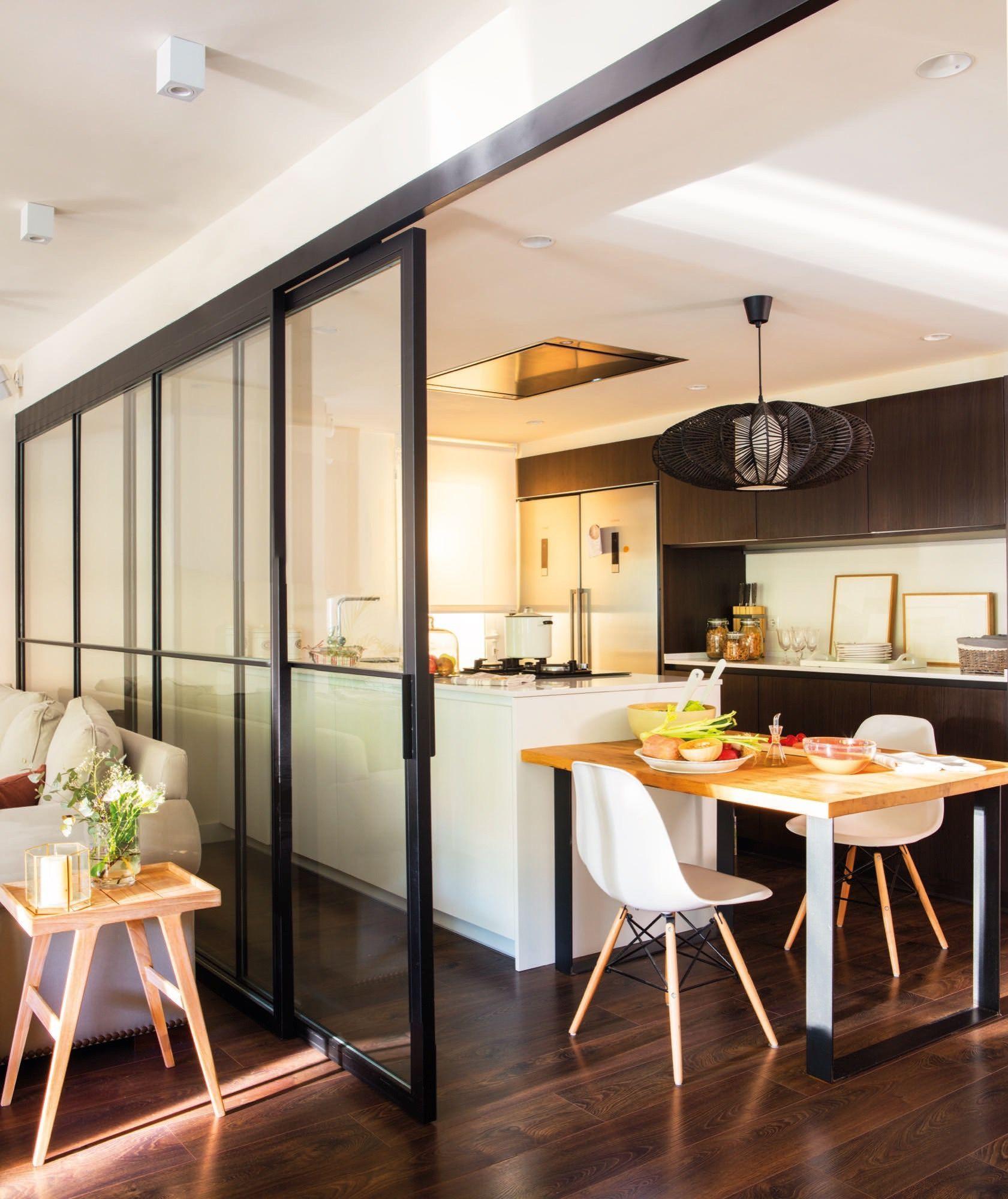 office y cocina con puerta corredera abierta al saln - Puertas Correderas Cocina