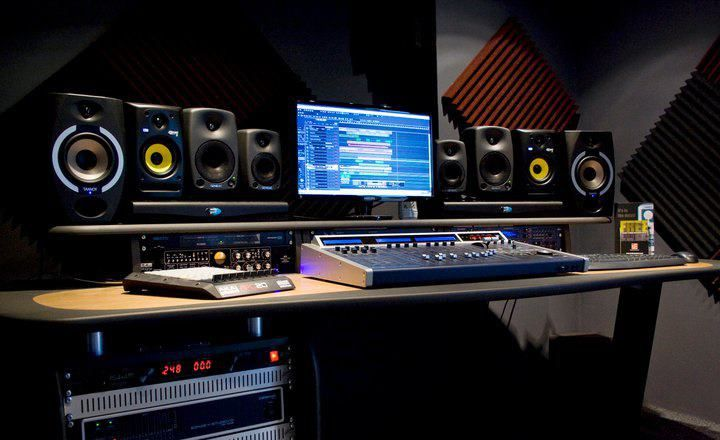 Cool home studio home music studio pinterest home for Cool house music