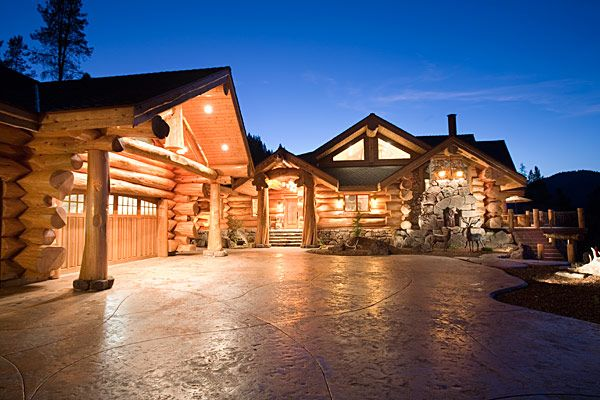 Log Home And Log Cabin Floor Plans Pioneer Log Homes Of Bc Handcrafted Log Homes Log Homes Luxury Log Cabins Log Cabin Homes