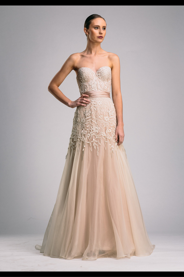 Pin by Mauie Hernando on evening gowns | Pinterest | Wedding dress ...