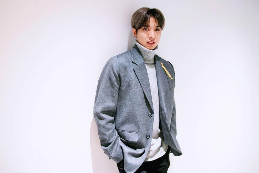 Photo of 少年は高校を辞めて15歳で韓国に渡り、K-POPのスターになった
