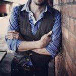 Look jeans + camisa + colete #moda #fashion #vest #jeans #shirt #camisas #colete