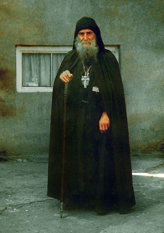 стоит лишь фото грузинского святого габриэля специальности