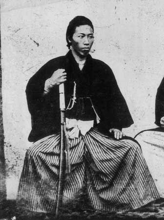 sakamoto ryōma 坂本 龍馬 was a prominent samurai figure in the movement to overthrow the tokugawa shogunate in bakumatsu japan 江戸 写真 侍 写真 侍