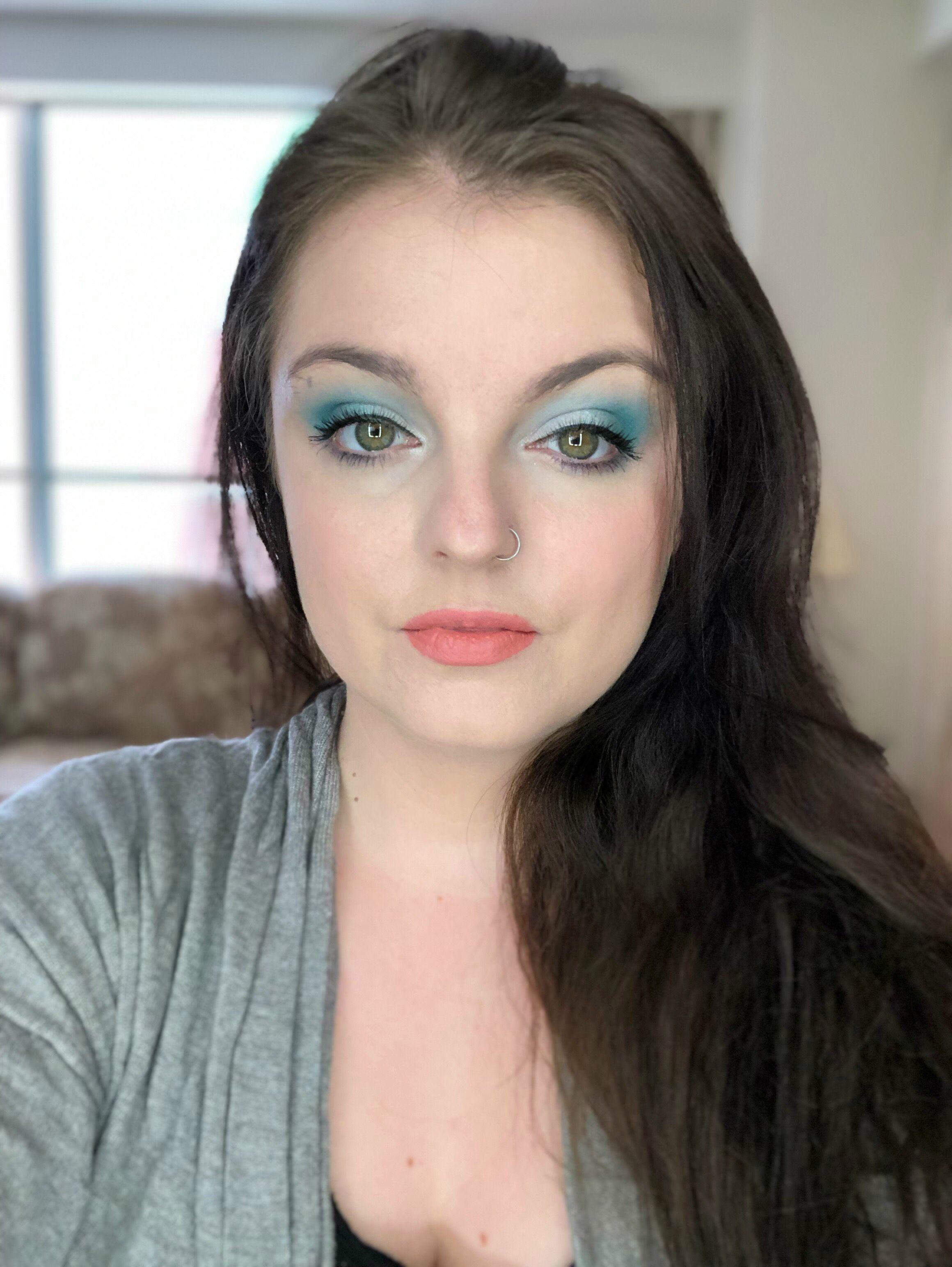 Jeffree Star Blue Blood palette look Hair makeup, Makeup