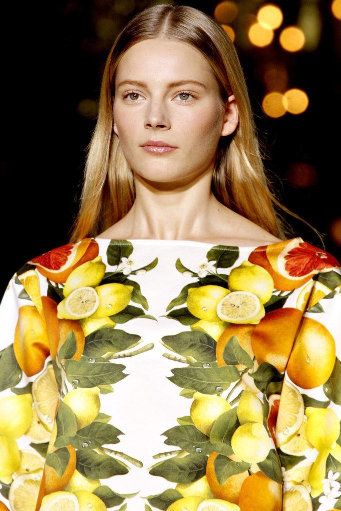 Stella McCartney Spring 2011 Ready-to-Wear Collection Photos - Vogue