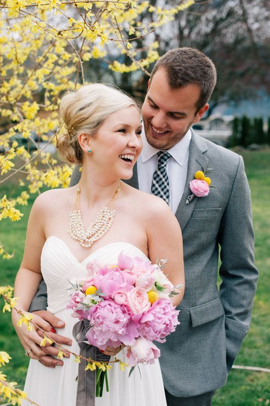 Pearl Wedding Necklace Bridal Bib Necklace #jewelry #handmade #statement #ivory #white #cream #photography #accessories #vintage #modern #gold #custom #sukran