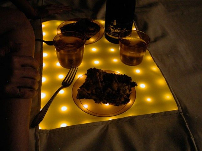 DIY Waterproof LED Picnic Blanket | 20 Perfect Picnic Blankets