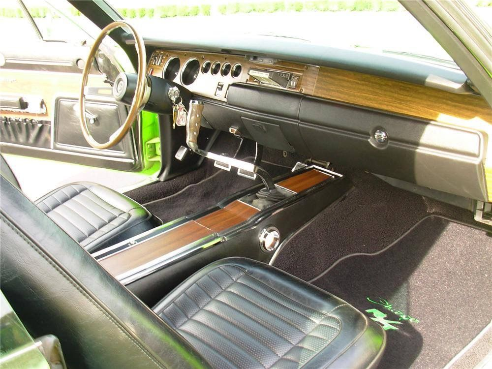 70 Charger Interior Dig The Pistol Grip Shifter Mopar 1969 Dodge Charger Dodge Charger