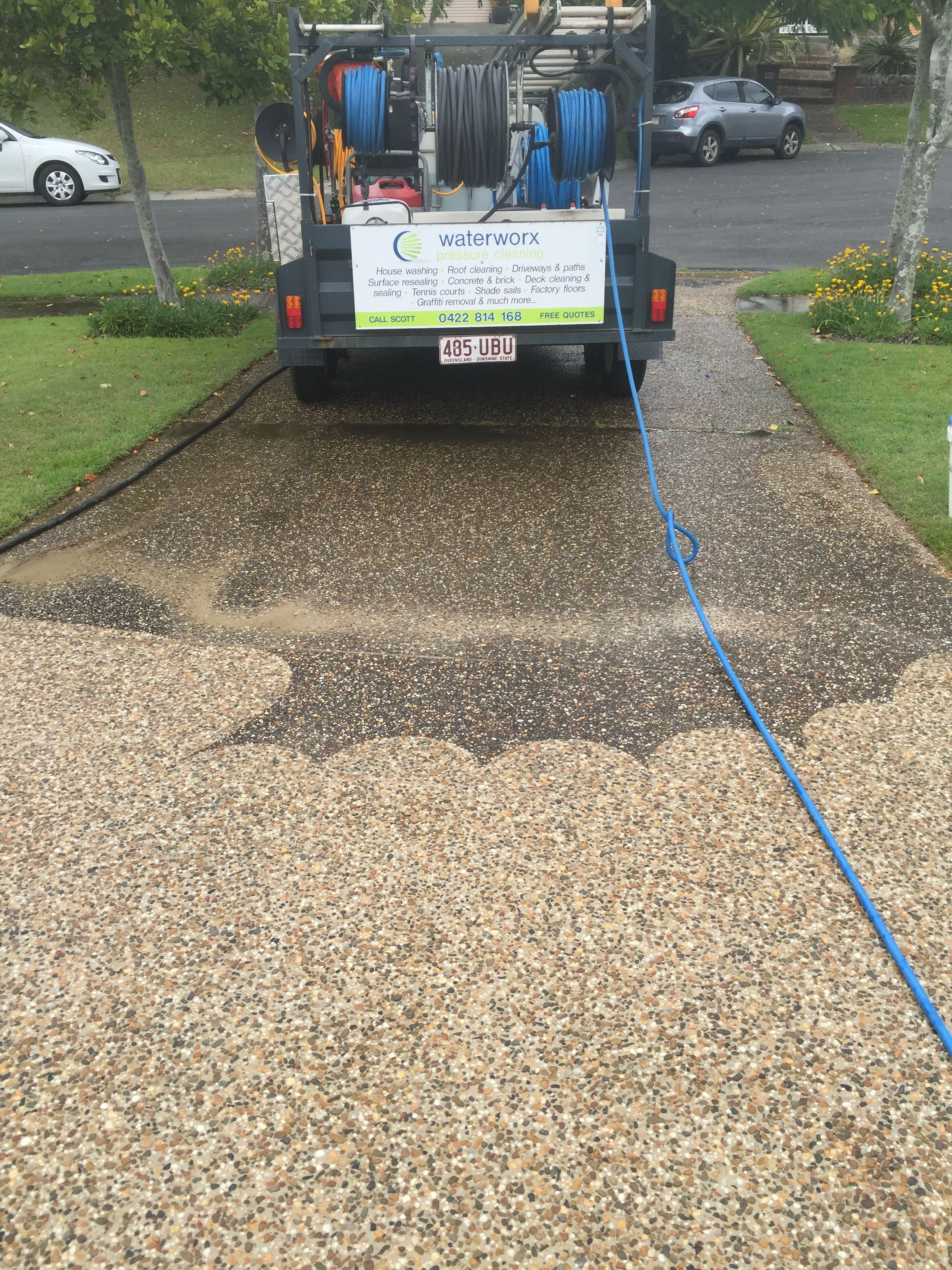 Concrete Driveway Pressure Cleaning And Sealing Pressure Washing Business Pressure Washing Tips Pressure Washing