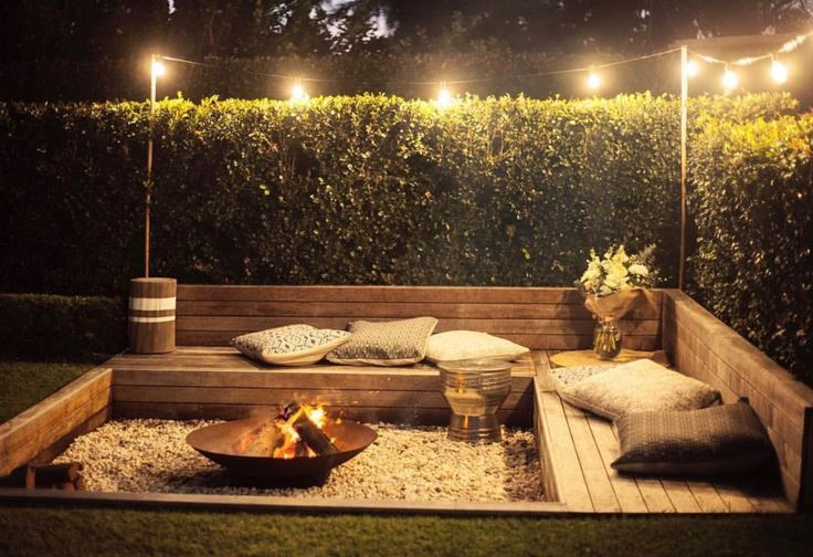 Sunken fire pit with built in timber seating #diyfirepit