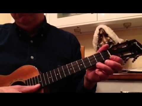 Jingle Bell Rock Ukulele Solo Fingerpicking Tutorial - YouTube