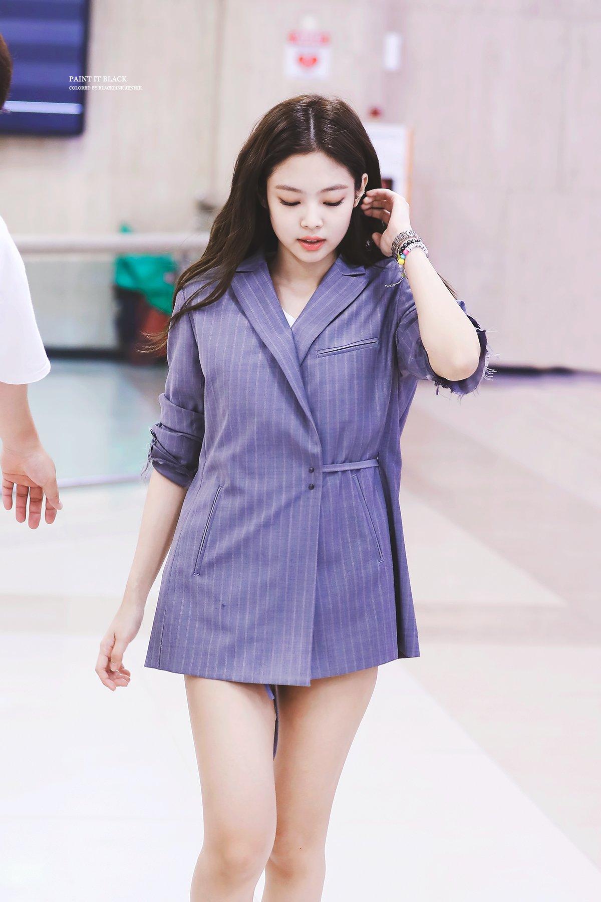 Jennie | From Reddit in 2019 | Blackpink, Blackpink fashion