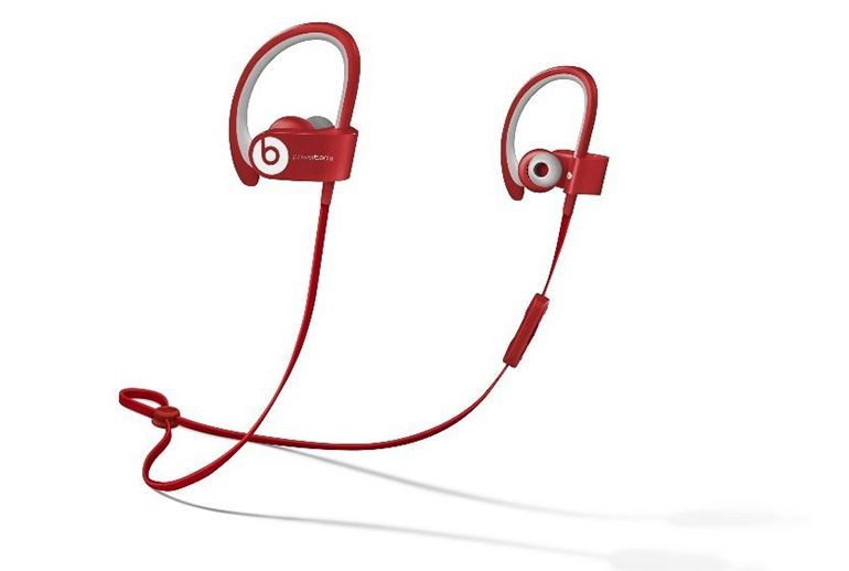 This wireless version of the Powerbeats 2 is geared toward athletic types. Sporting a minimalist design, all the components are sweat- and water-resistant. In the package you'll find four pairs of multi-sized ear tips and flexible earhooks, so chances are good that you'll reach a secure and satisfying lightweight fit.