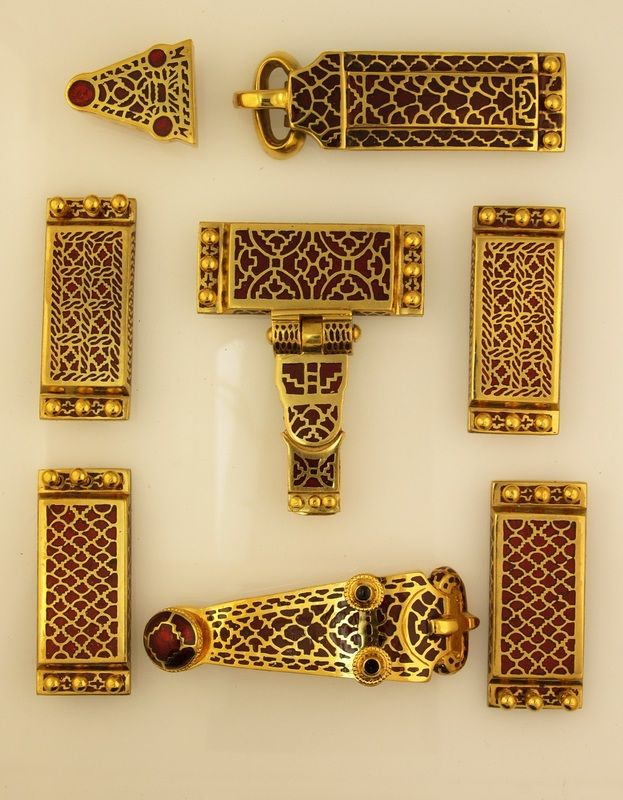 Gallery - Viking, Saxon and Medieval jewellery reproductions from