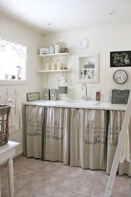 rideaux de lin pour cacher les tag res et les machines pi ces annexes pinterest cacher. Black Bedroom Furniture Sets. Home Design Ideas