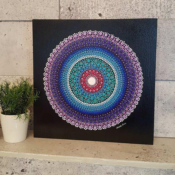 Mandala In Den Farben Der Karibik Gemalt Komplett Von Hand Punkt Fur Punkt Bedeckt Mit 3 Dunne Lackschichten Auf Mandala Art Lesson Mandala Mandala Painting