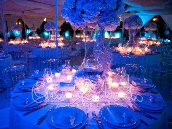 Matrimonio Tema Blu E Bianco : Matrimonio in spiaggia a tema marino l atmosfera della sala da