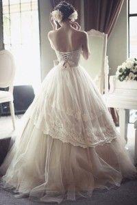 e43bbeee2147 24 Εντυπωσιακά νυφικά για ένα φανταστικό γάμο!