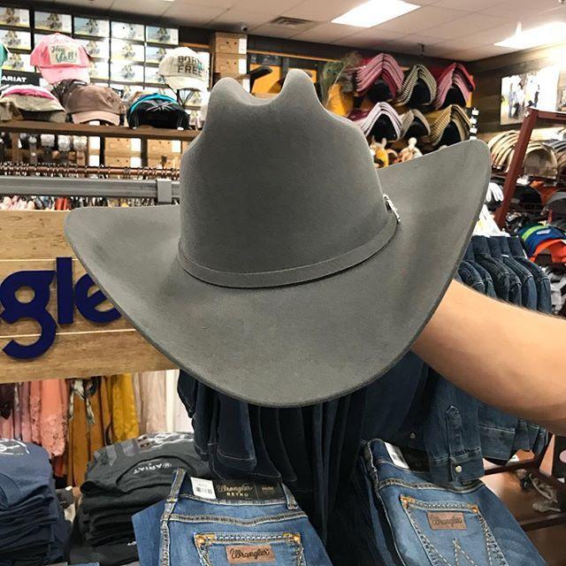 cc8d308f2ba55a Tejana Stetson @elpotrerito also online www.elpotrerito.com   Cowgirl in  2019   Western wear, Hats, Cowboy hats