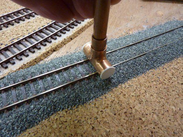 pose et decor de la voie construction train miniature ho