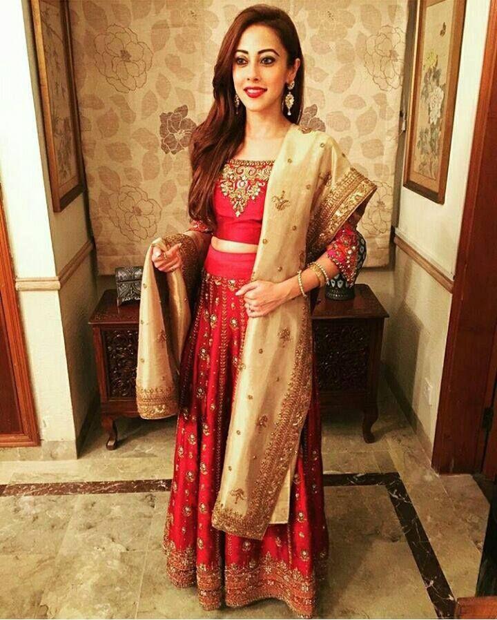 Pin On Indian Pakistani Special Beautiful Traditional Clothes Indien Et Pakistanais Hintli V Pakistan Kiyafetleri لباس هندي و باكستاني