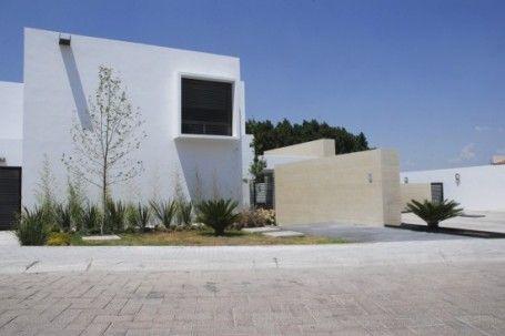 Minimalist Home and Garden by S2A+Designbureau