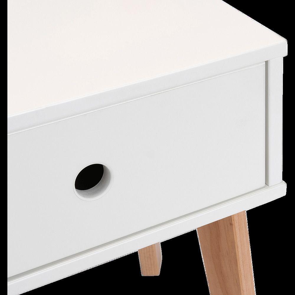 Table De Chevet En Bois Plaque Blanc Alinea En 2020 Avec Images Table De Chevet Bois Table De Chevet Chevet