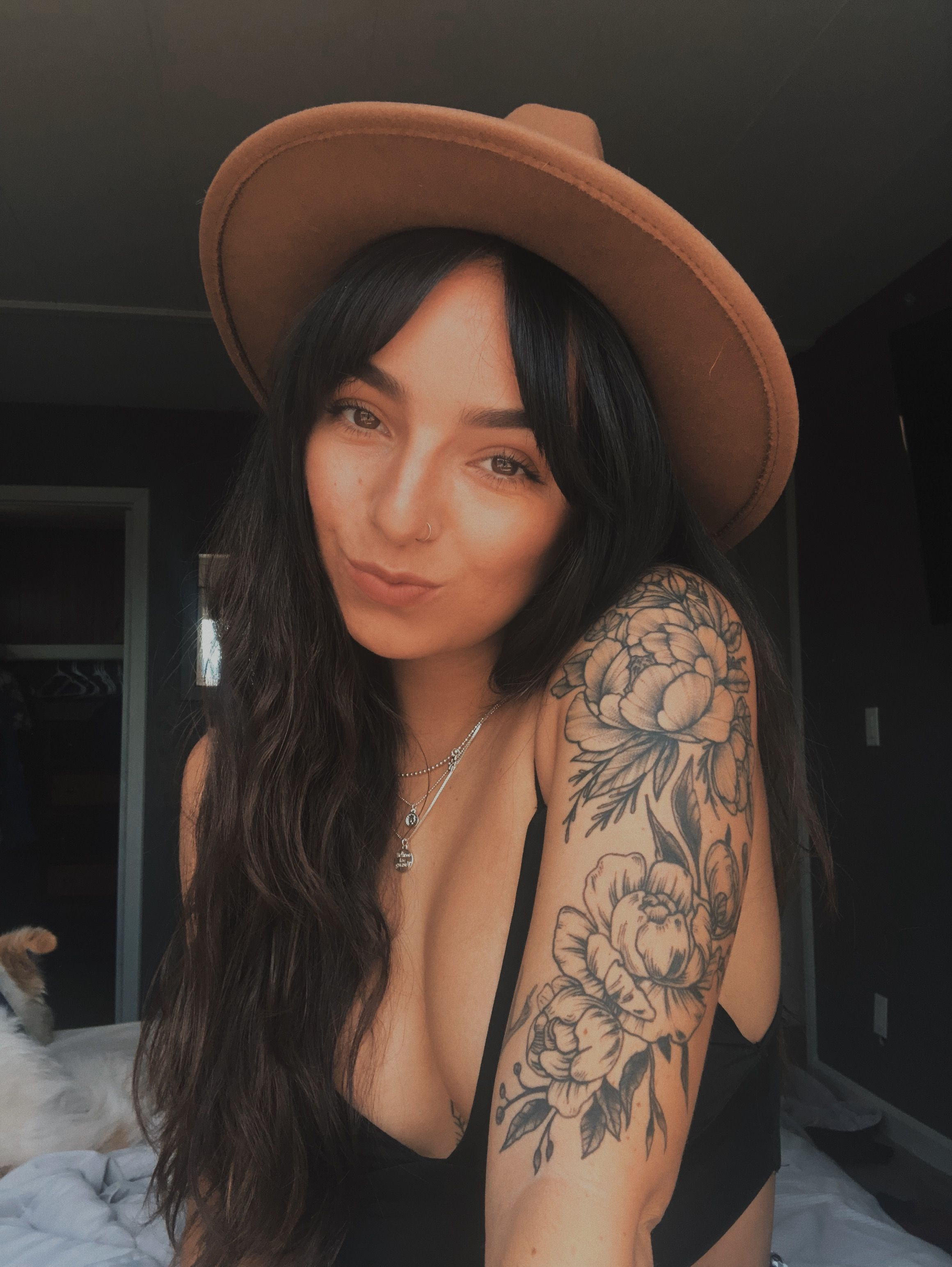 Tätowierungsart –   girlswithtattoos  tattoos  floraltattoo  ponytattoo  Päonien   –