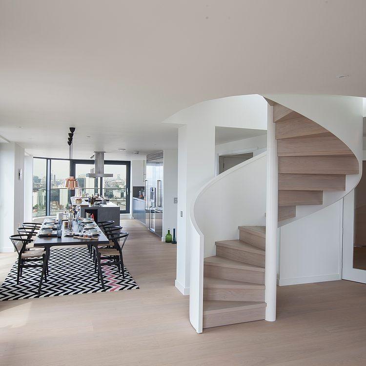 C mo decorar con escaleras de caracol arquitectura for Decorar escalera caracol