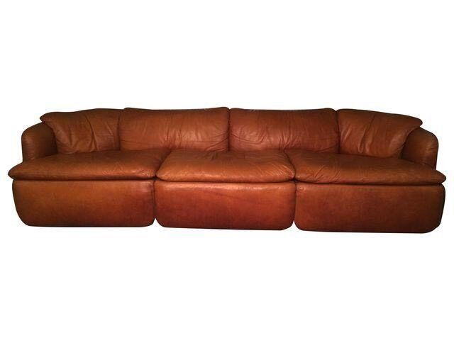 The Leather Does Show Signs Of Age And Use Over The Years But Looks Gorgeous Like A Well Used Saddle Or Baseball Glove The Leather Sofa Mid Century Sofa Sofa