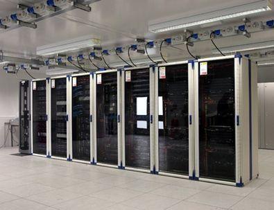 что нужно для хостинга серверов