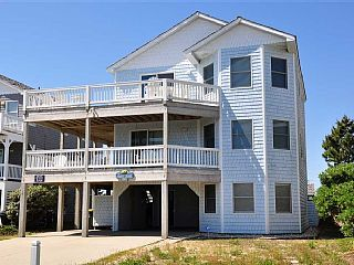 Sandy+Crane:+Private+salt-chlorinated+pool,+private+hot+tub,+4+queen+bedrooms.+++Vacation Rental in Outer Banks from @homeaway! #vacation #rental #travel #homeaway