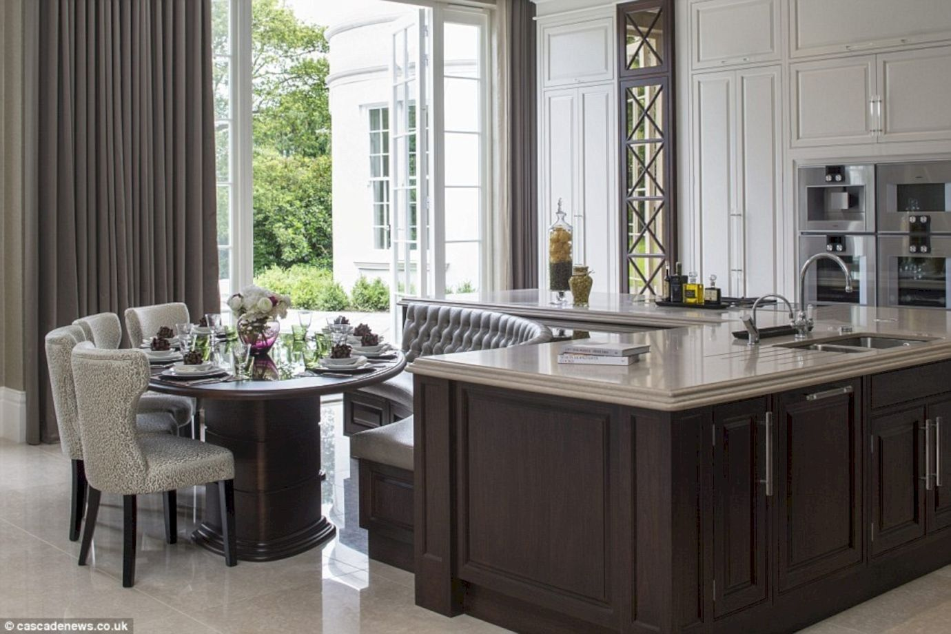 20 Inspiring Minimalist Kitchen Islands With Seating Modern Kitchen Tables Kitchen Seating Kitchen Island With Seating