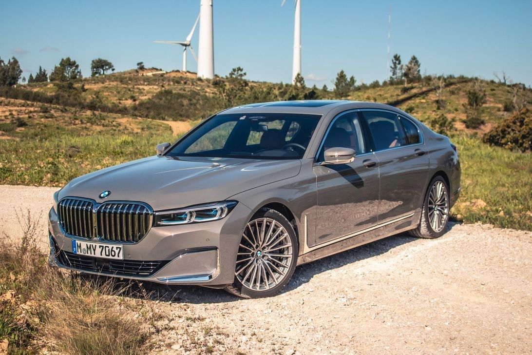 Photos Of 2021 Bmw 750li Bmw Car Review In This Moment
