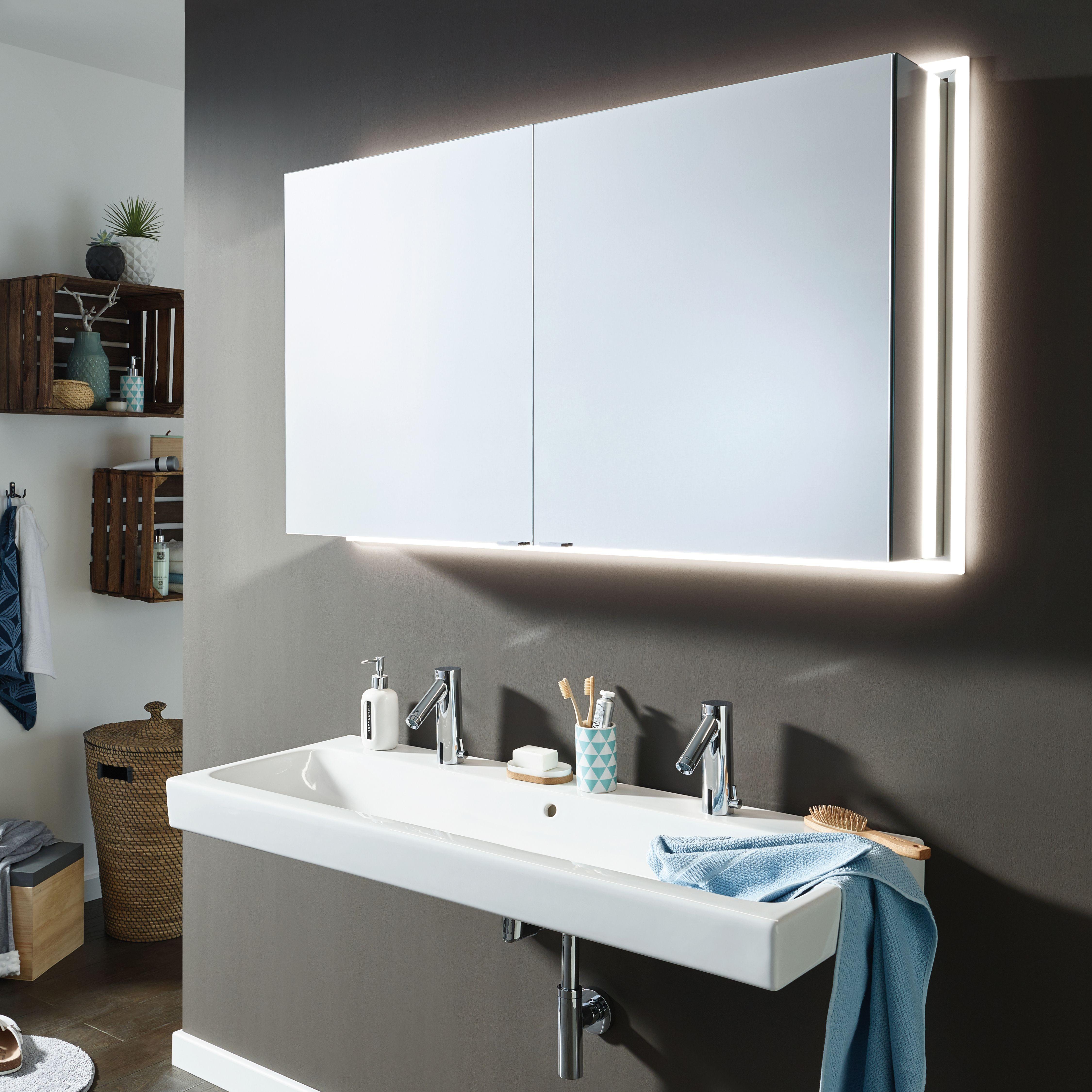 Unser Spiegelschrank Modern Line Fur Tolle Anblicke Am Morgen Spiegelschrank Led Spiegelschrank Badezimmerspiegel
