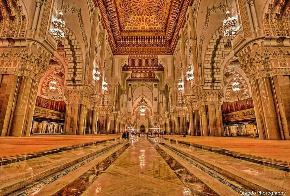 l 39 interieur de la mosquee hassan architecture islamique pinterest. Black Bedroom Furniture Sets. Home Design Ideas