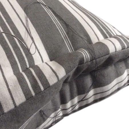 coussin tapissier pour banquette sur mesure coussins pour banquette pinterest banquette. Black Bedroom Furniture Sets. Home Design Ideas