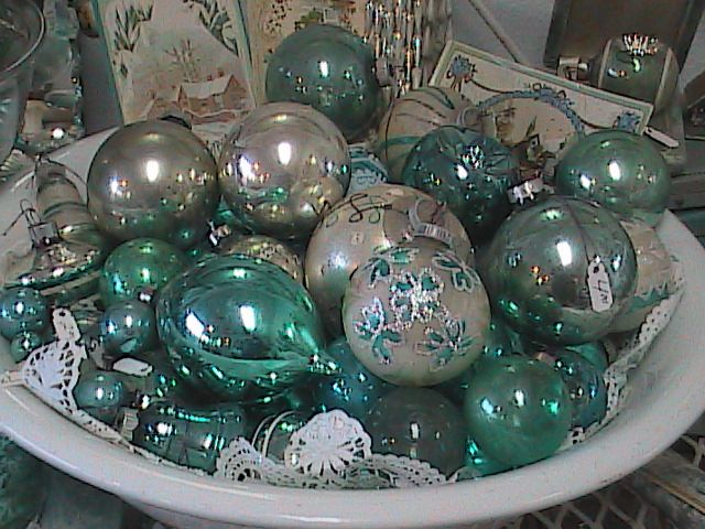 Country Garden Antiques NOVEMBER 18th - 20th Antique and Vintage - christmas decorations sale