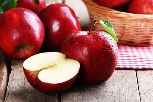 Punaiset omenat