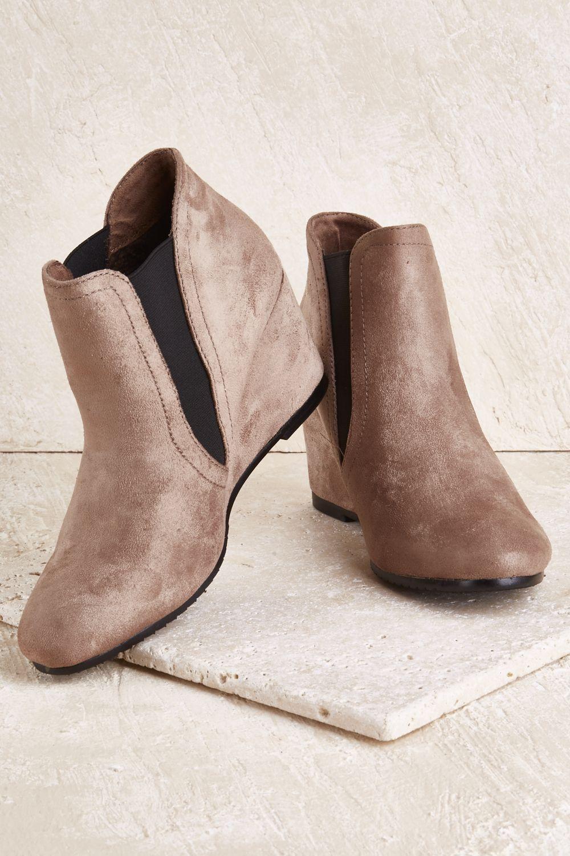 55dc81119922 LAVISH - Ella Wedge Boot
