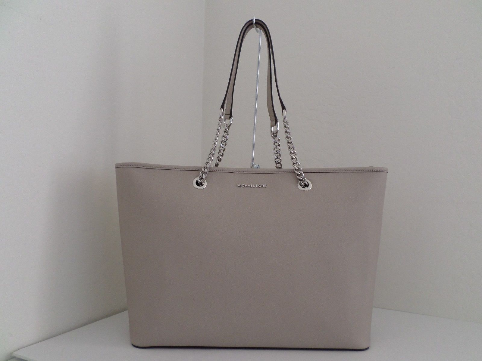 NWT AUTH MICHAEL KORS JET SET CHAIN MULTIFUNCTION LEATHER TOTE-$298-CEMENT https://t.co/r2EBkaFSDg https://t.co/sK6KSqW9IM