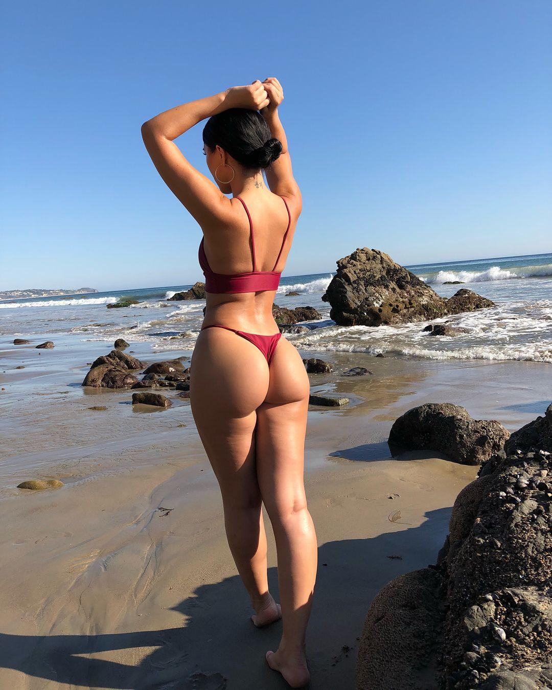 Pics bootyful black swimsuit models — img 8