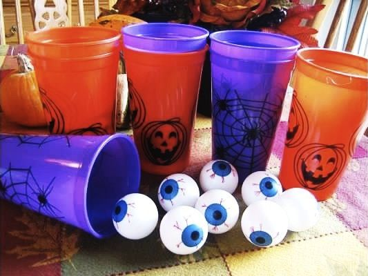 kids halloween party fun eyeball toss and other games - Halloween Games For Kid