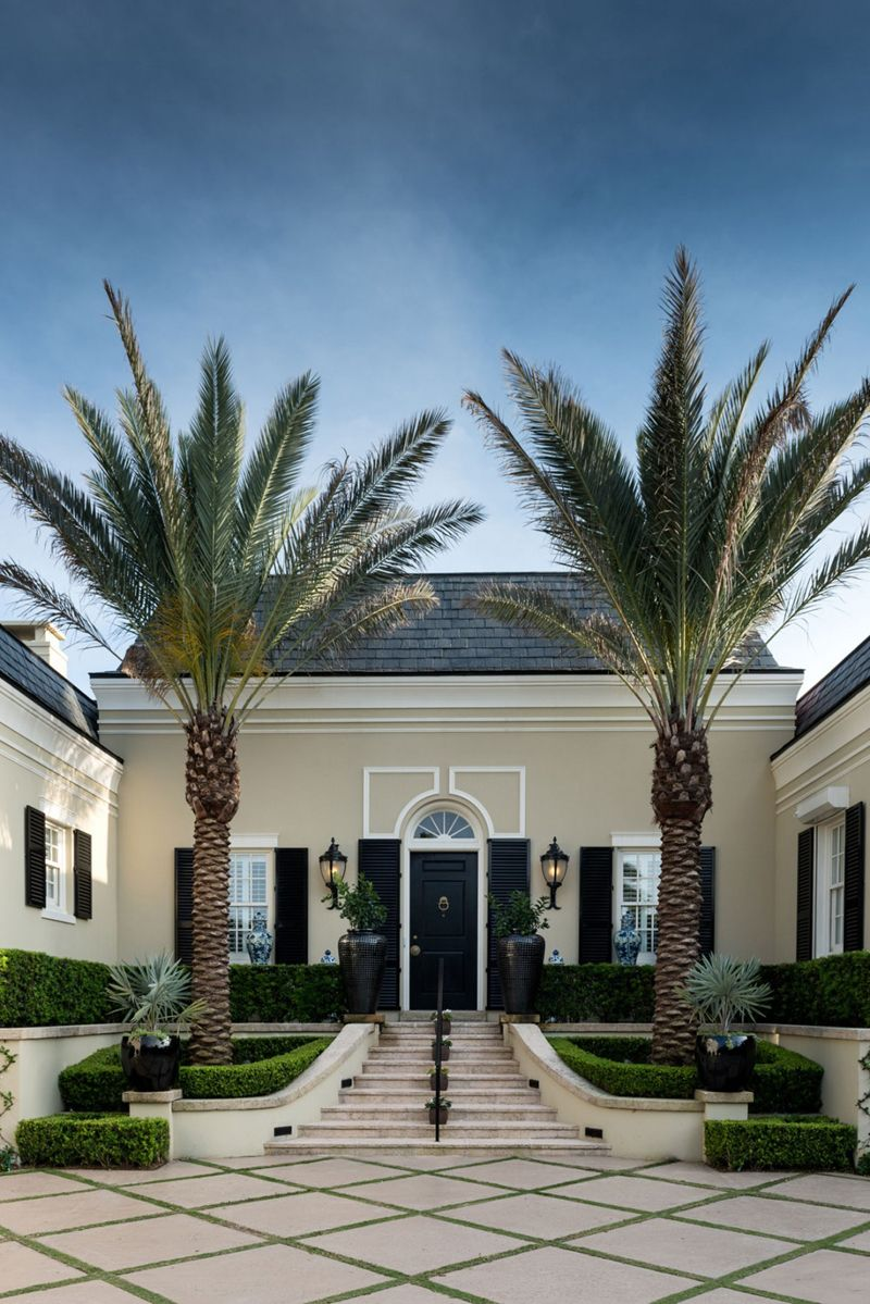 Palm Beach Style In A Residence By Les Ensembliers Florida With