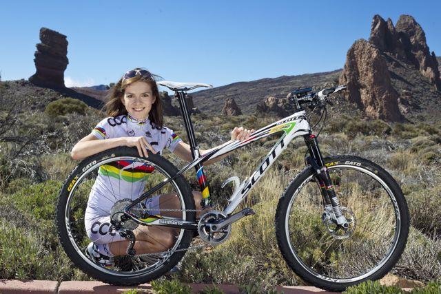 Maja Wloszczowska Mtb World Champion With Scott Scale Bike