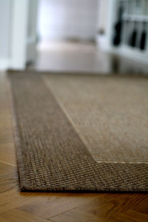 Making Sure Your Rugs Lay Flat With Velcro How Smart And Easy Rugs Rug Hacks